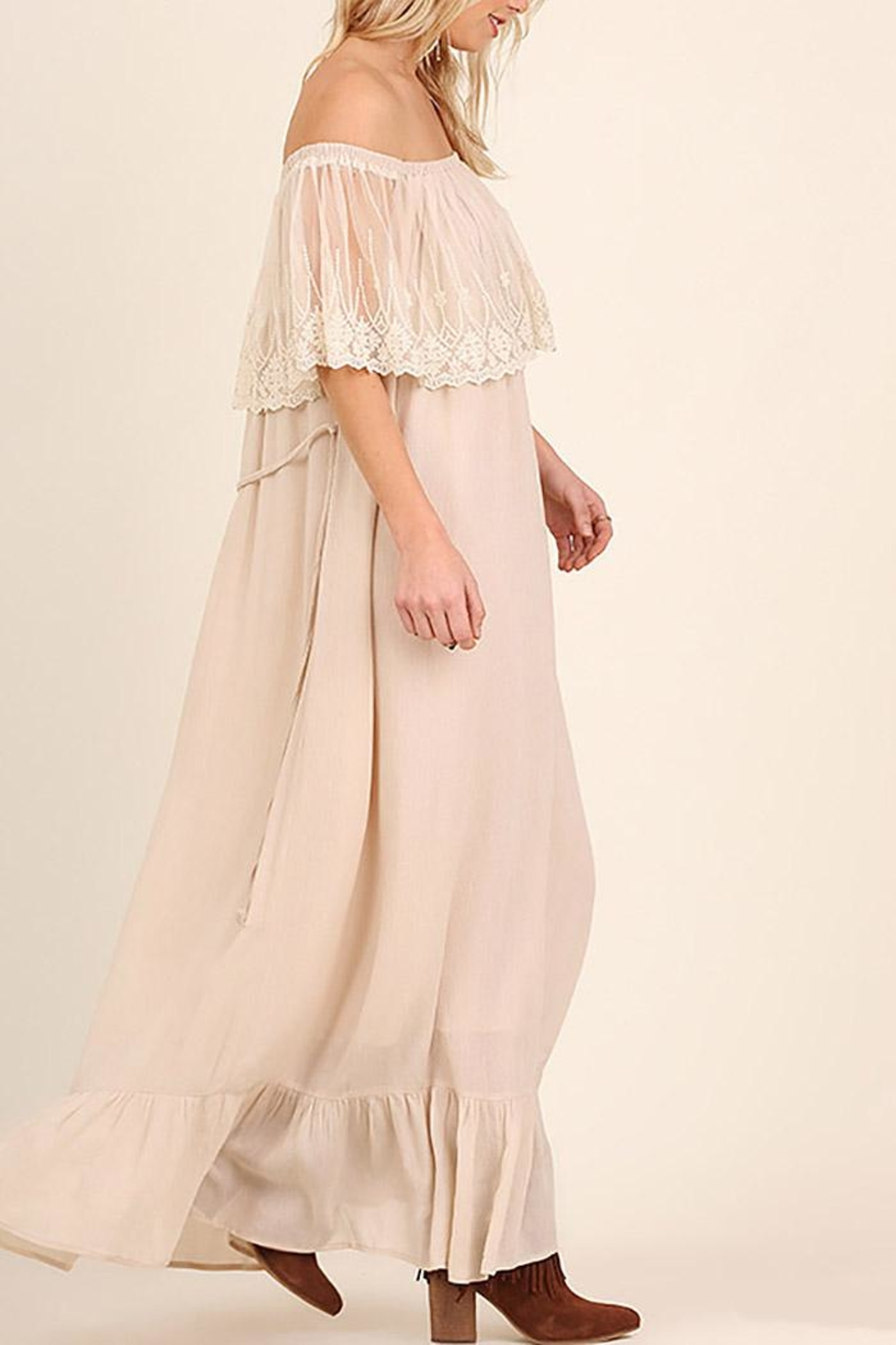 Entro Lace Maxi Dress - Side Cropped Image