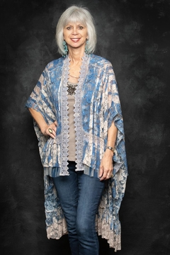 Origami Lace Shrug/duster - Product List Image