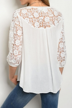 Comme Toi Lace Sleeve Top - Alternate List Image