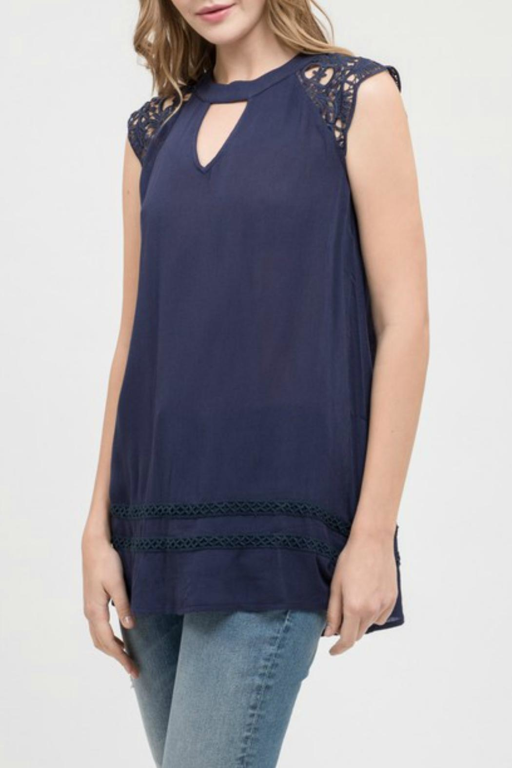 Blu Pepper Lace Sleeve Tunic - Side Cropped Image