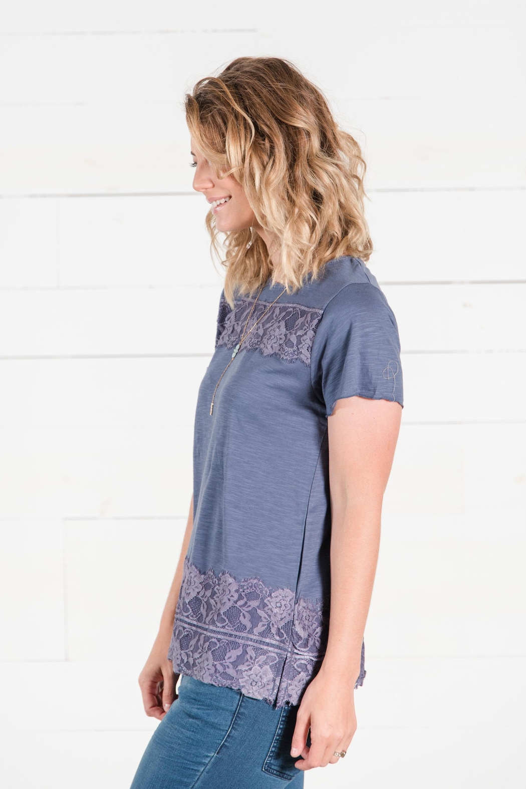 Go Fish Clothing Lace Tee - Side Cropped Image