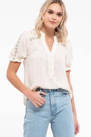 blu pepper  LACE TRIM PUFF SLEEVE TOP - Front cropped