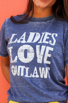 Nellie Mae Ladies love outlaws graphic tee - Alternate List Image