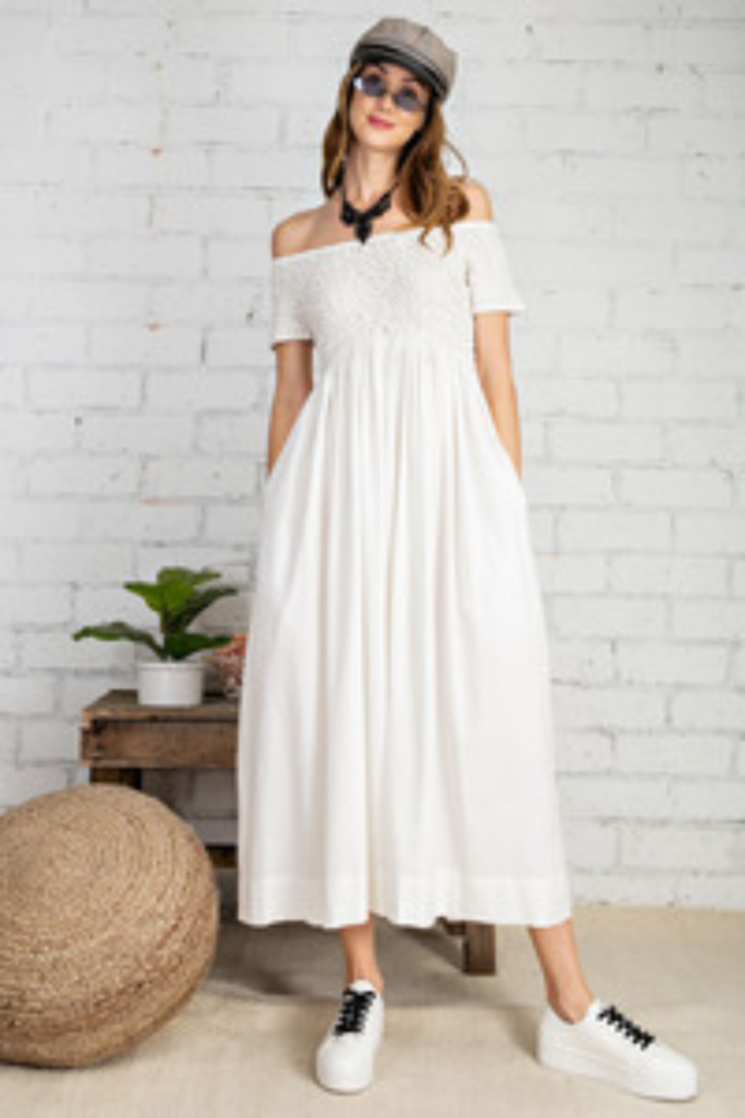 Easel  Prettiest Maxi Dress with Pockets - Front Cropped Image