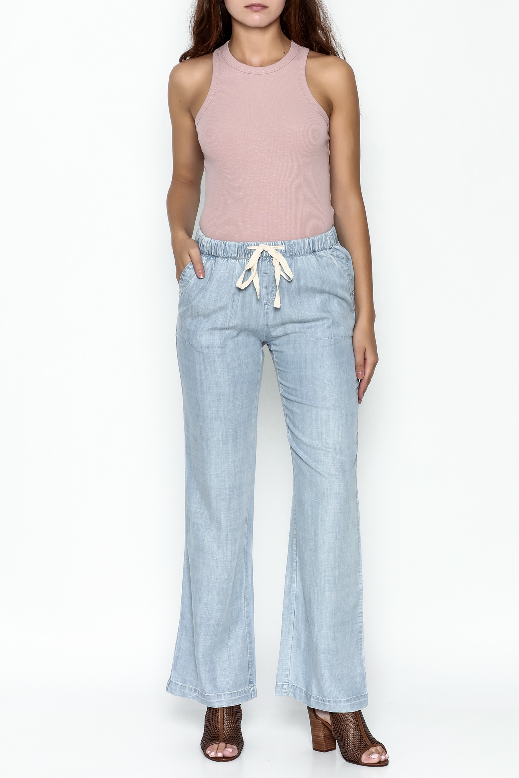 Laju Tencel Flare Jeans - Side Cropped Image
