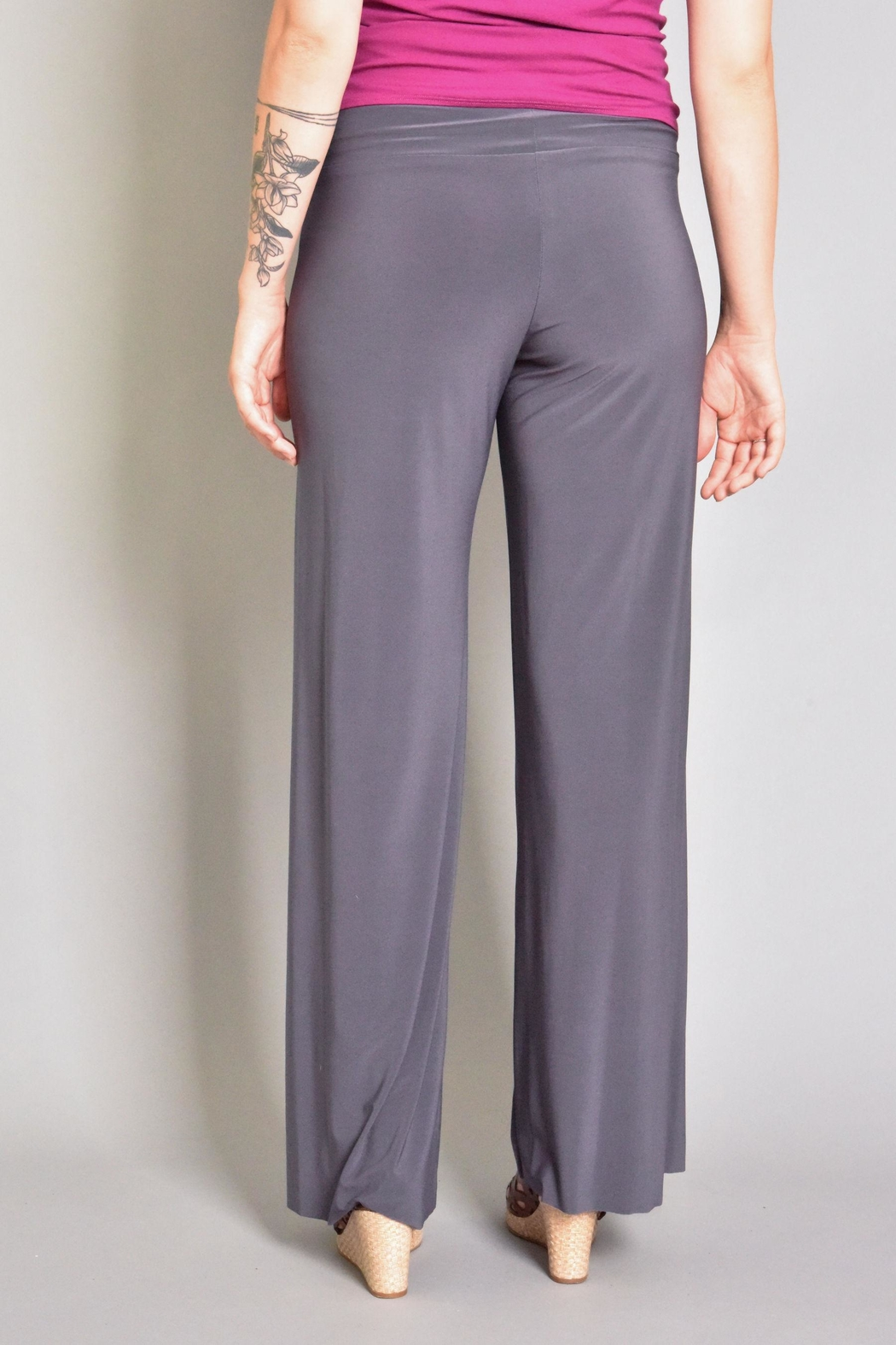 Last Tango Wide Leg Pant - Side Cropped Image