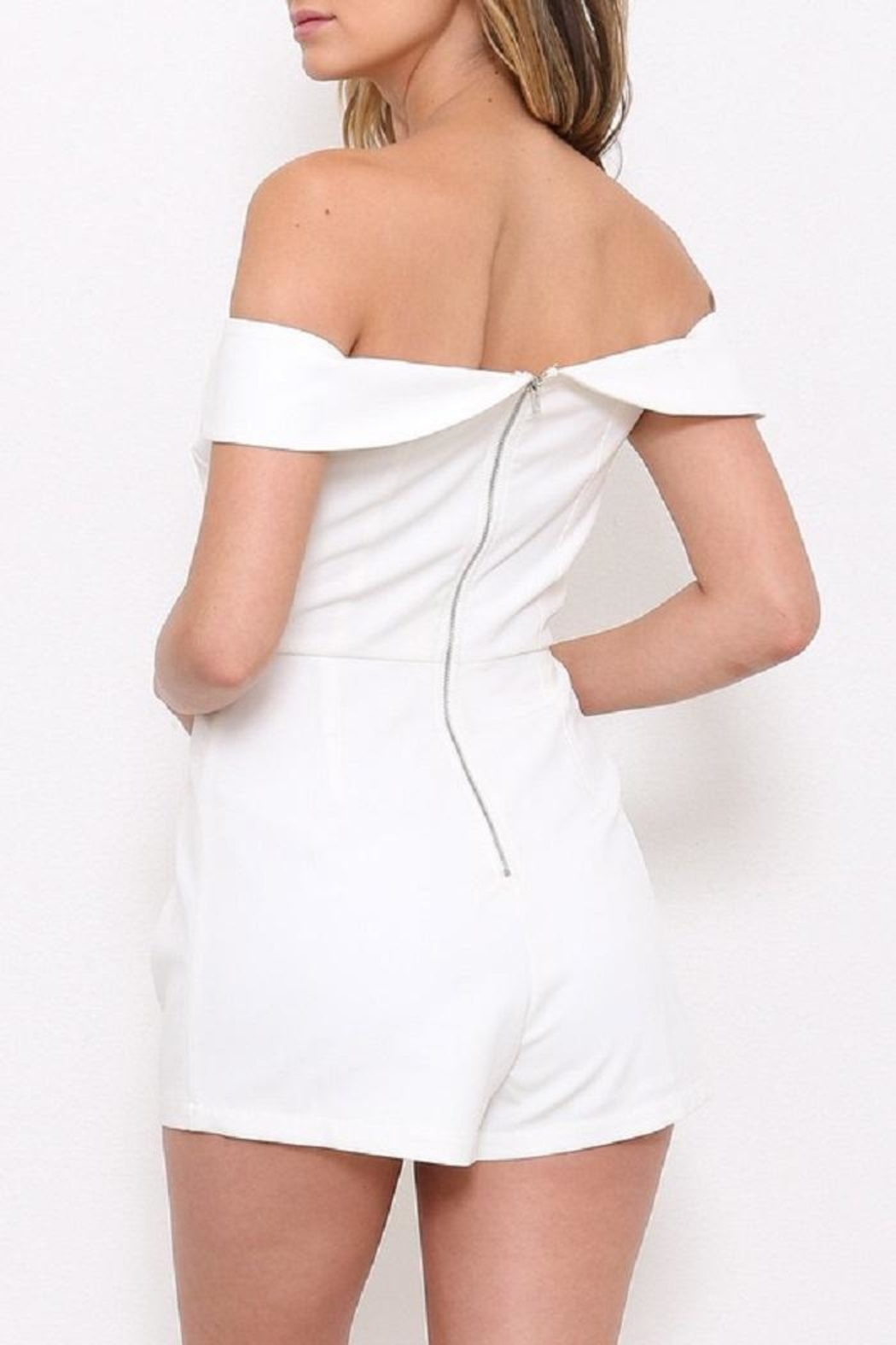 Latiste Ots White Romper - Side Cropped Image