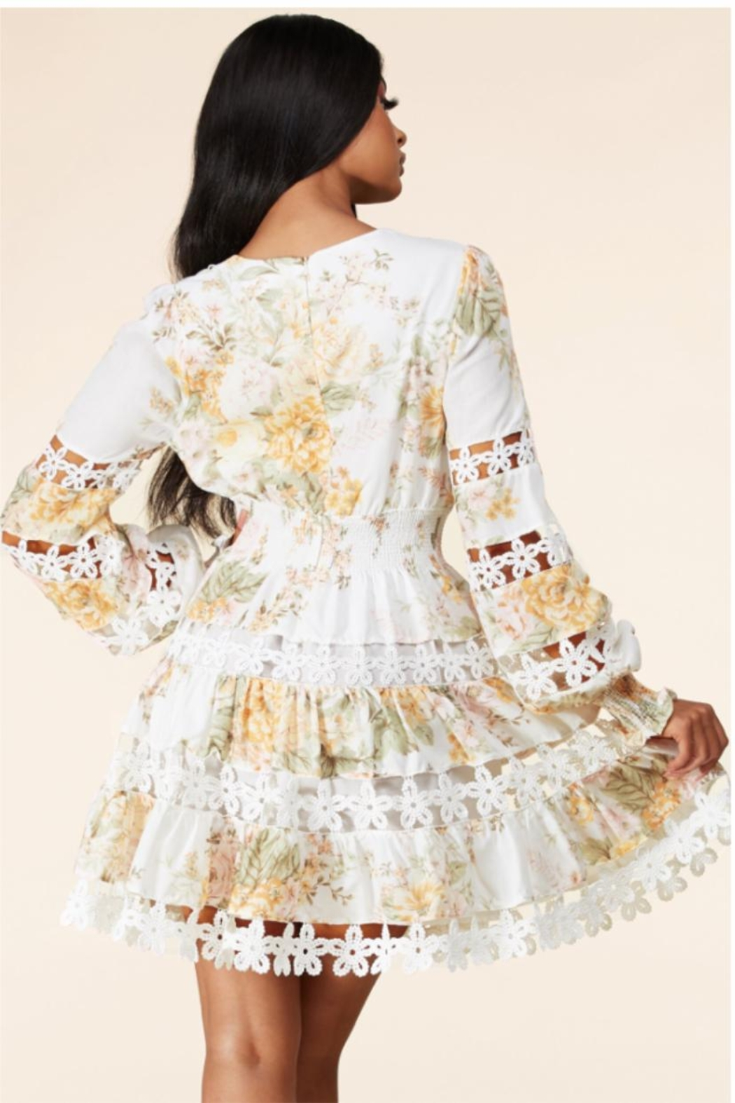 Latiste Tiered Floral Dress - Side Cropped Image