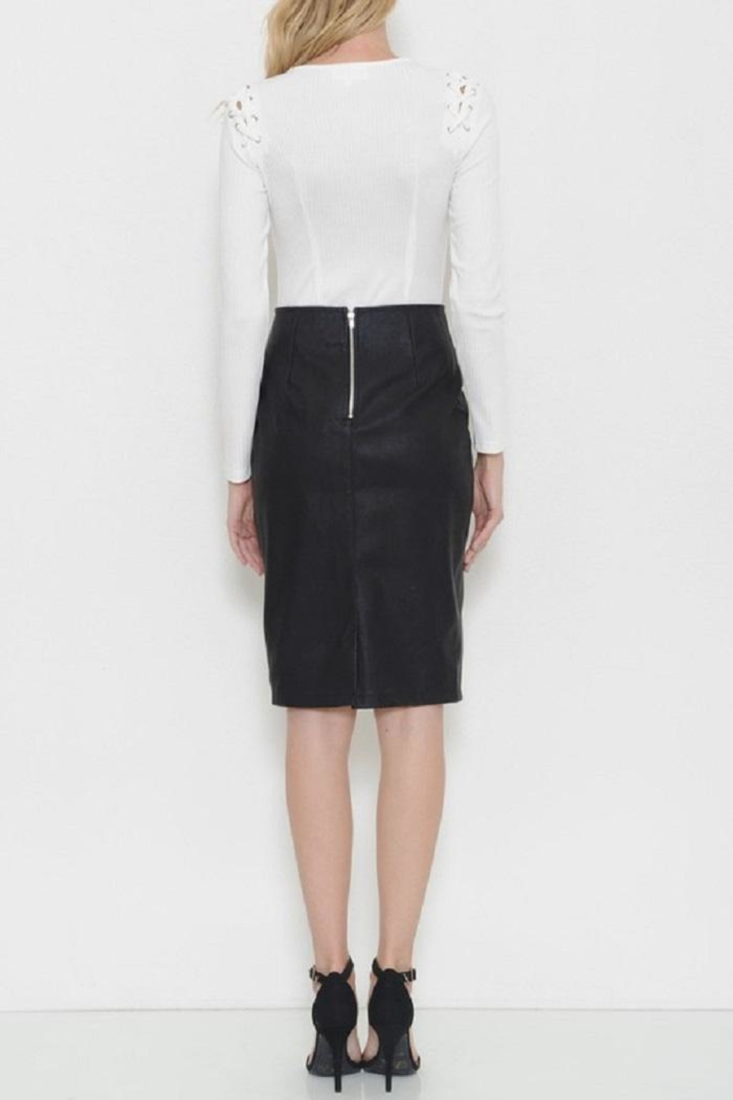 Latiste Vegan Leather Skirt - Side Cropped Image