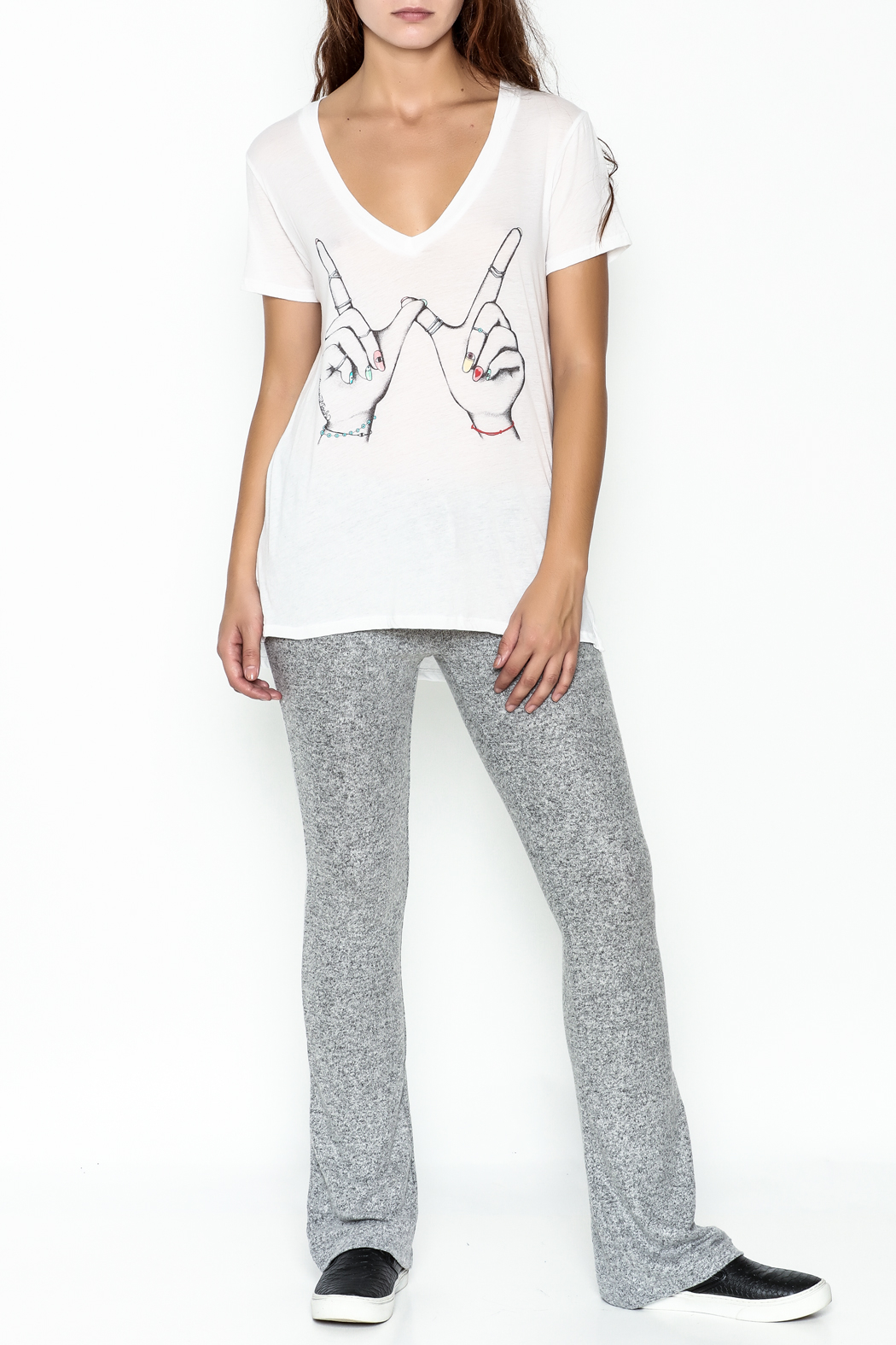 Lauren Moshi V Neck Graphic Tee - Side Cropped Image
