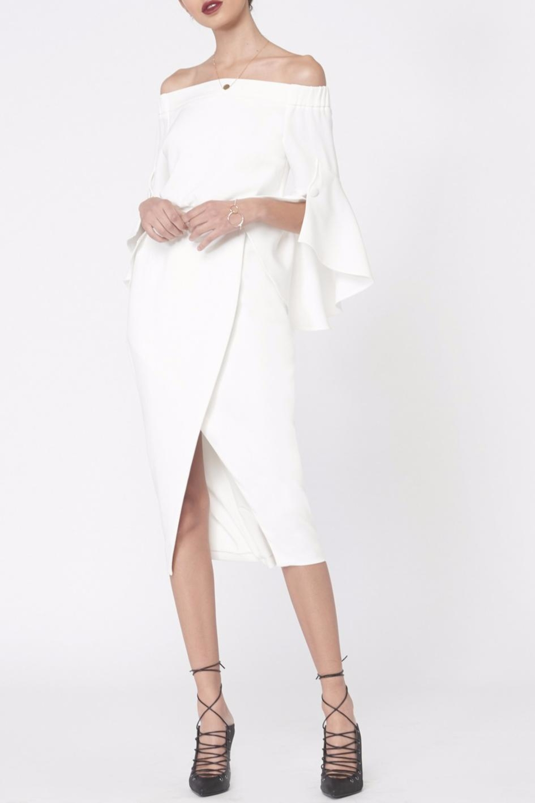 LAVISH ALICE Bell Frill Sleeves Dress - Front Cropped Image