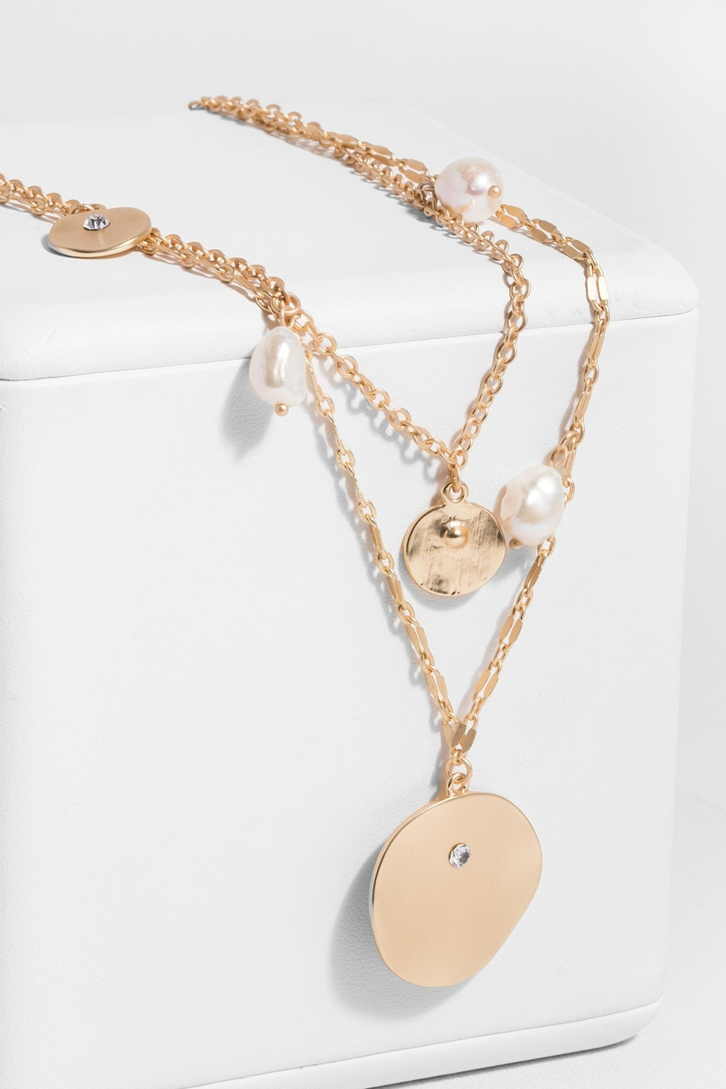 Saachi Layered Medallion Necklace - Front Cropped Image