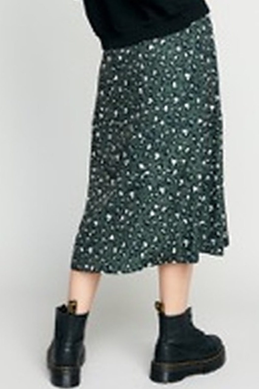 The Good Jane Layla Pleated Midi Skirt - Side Cropped Image