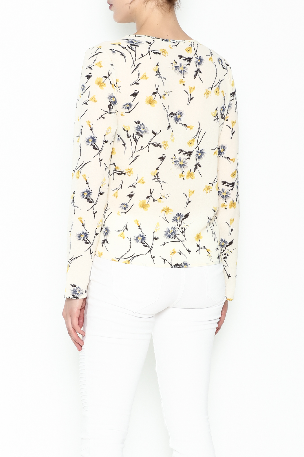 Le Lis Floral Front Tie Top - Back Cropped Image
