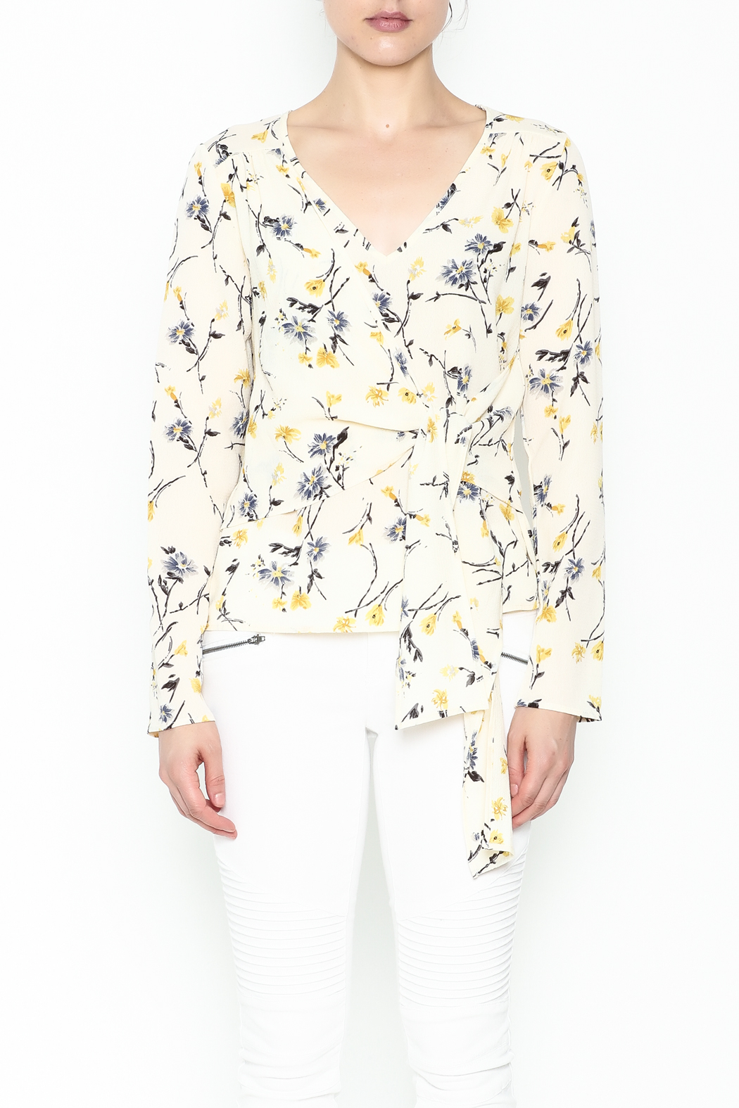 Le Lis Floral Front Tie Top - Front Full Image