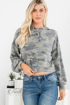 Le Lis Camo Hooded Crop-Top - Product List Image