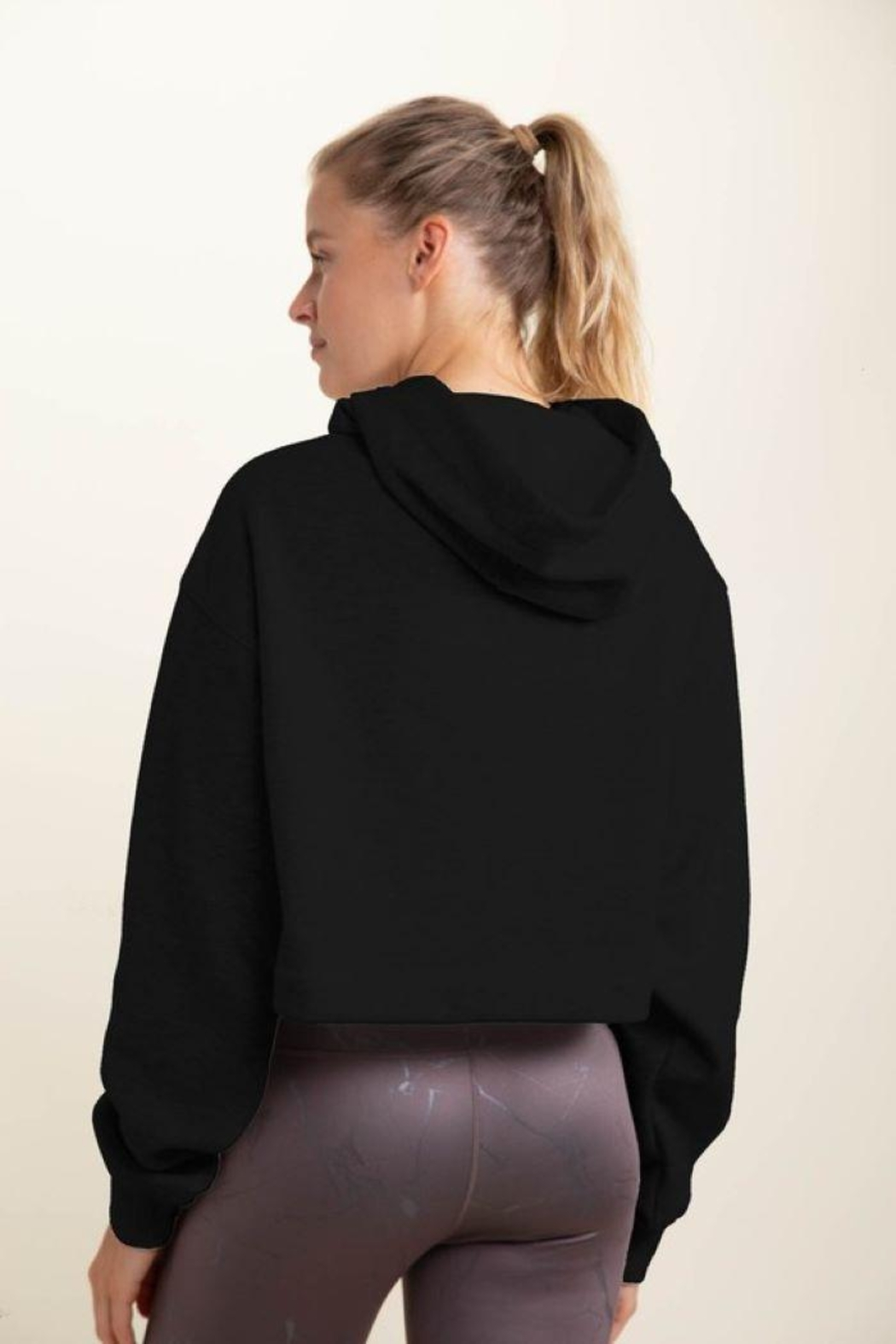 Le Lis Cropped Long-Sleeve Hoodie Top - Front Full Image