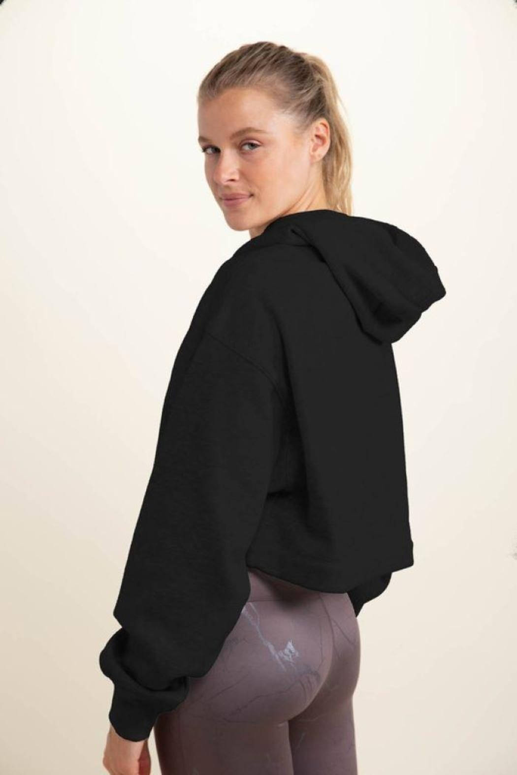Le Lis Cropped Long-Sleeve Hoodie Top - Back Cropped Image