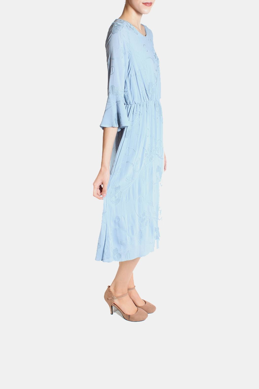 Le Lis Dreamy Blue Embroidered Dress - Side Cropped Image