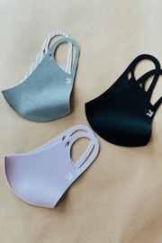 Le Lis Face Mask 3-Pack - Front cropped