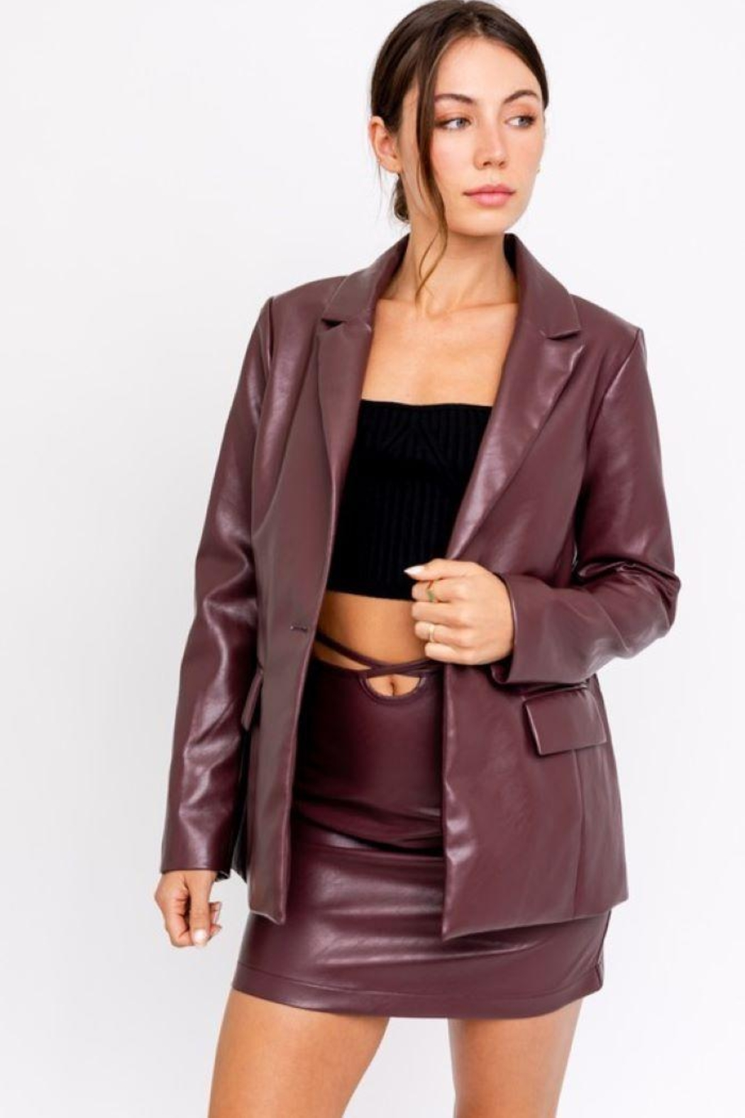 Le Lis Faux Leather One Button Blazer - Side Cropped Image