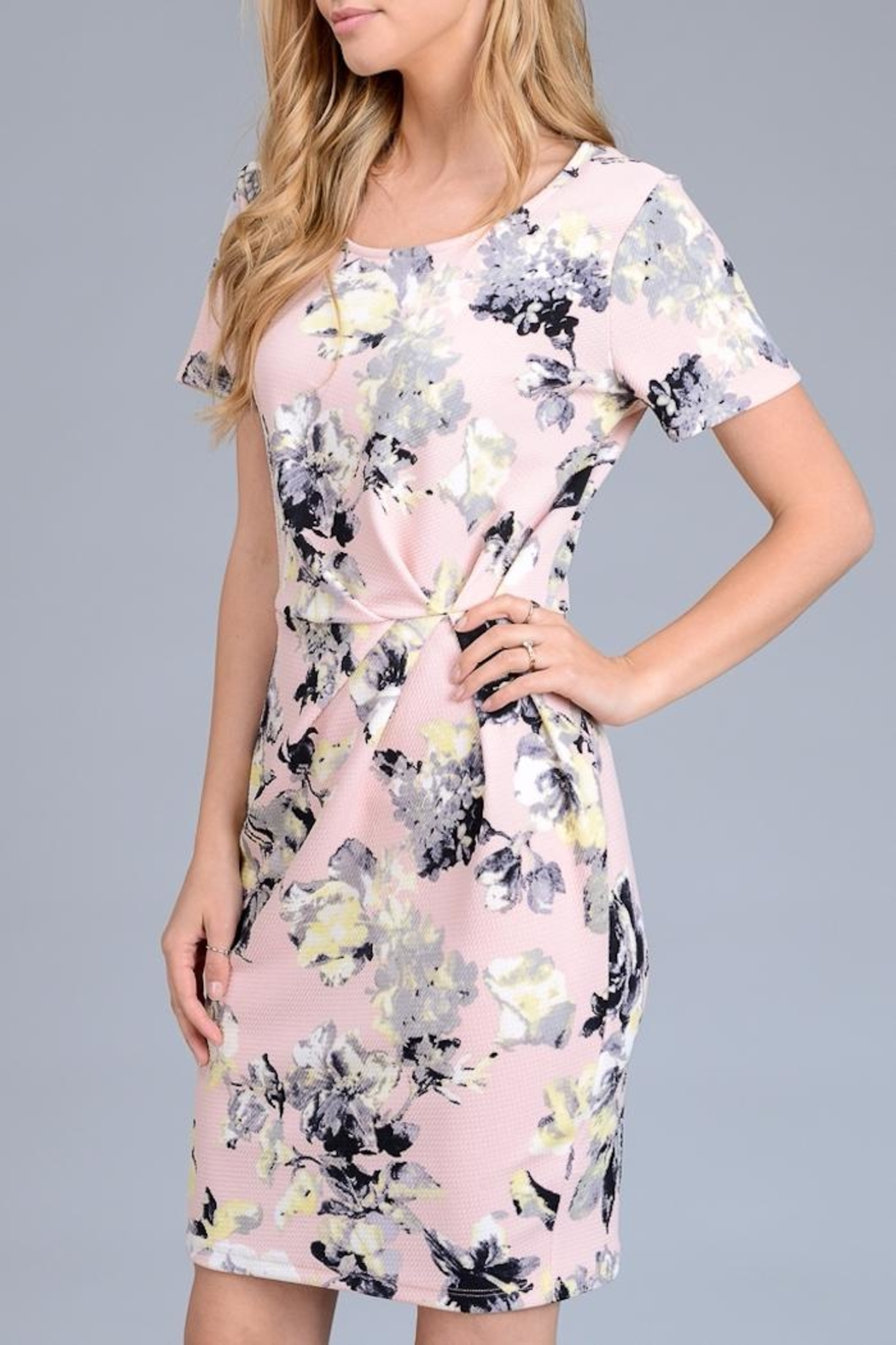 Le Lis Floral Nalia Dress - Main Image