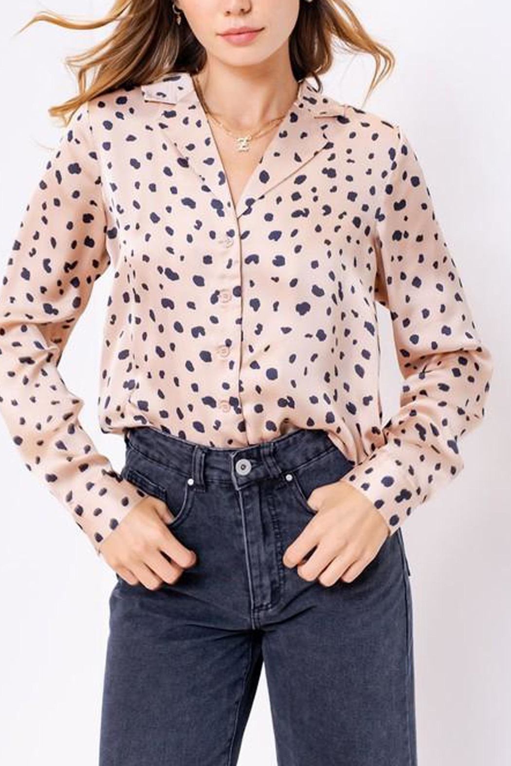 Le Lis Leopard Print Satin-Top - Side Cropped Image