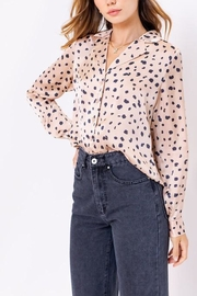 Le Lis Leopard Print Satin-Top - Product Mini Image