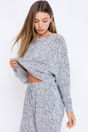 Le Lis Long-Sleeve Oversized Pullover - Front full body