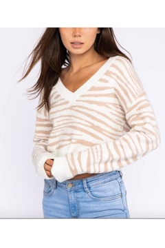 Le Lis Long Sleeve V-Neck Sweater - Product List Image