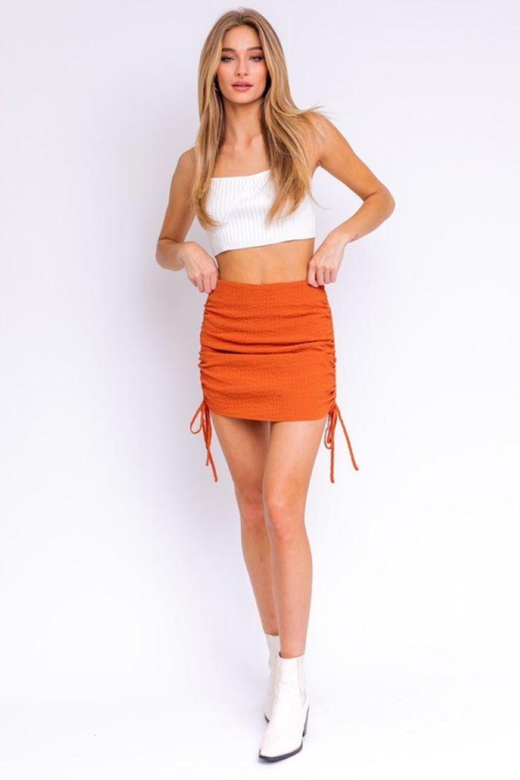 Le Lis Side Ruching Detail Mini Skirt - Front Cropped Image