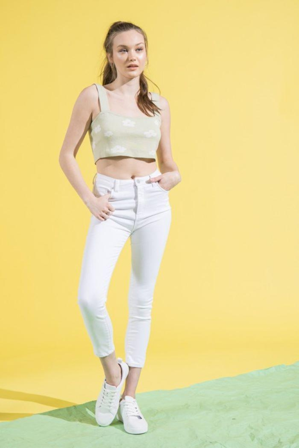 Le Lis Sleeveless Flower Crop Top - Back Cropped Image