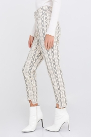 Le Lis Snake Distressed Pants - Side cropped