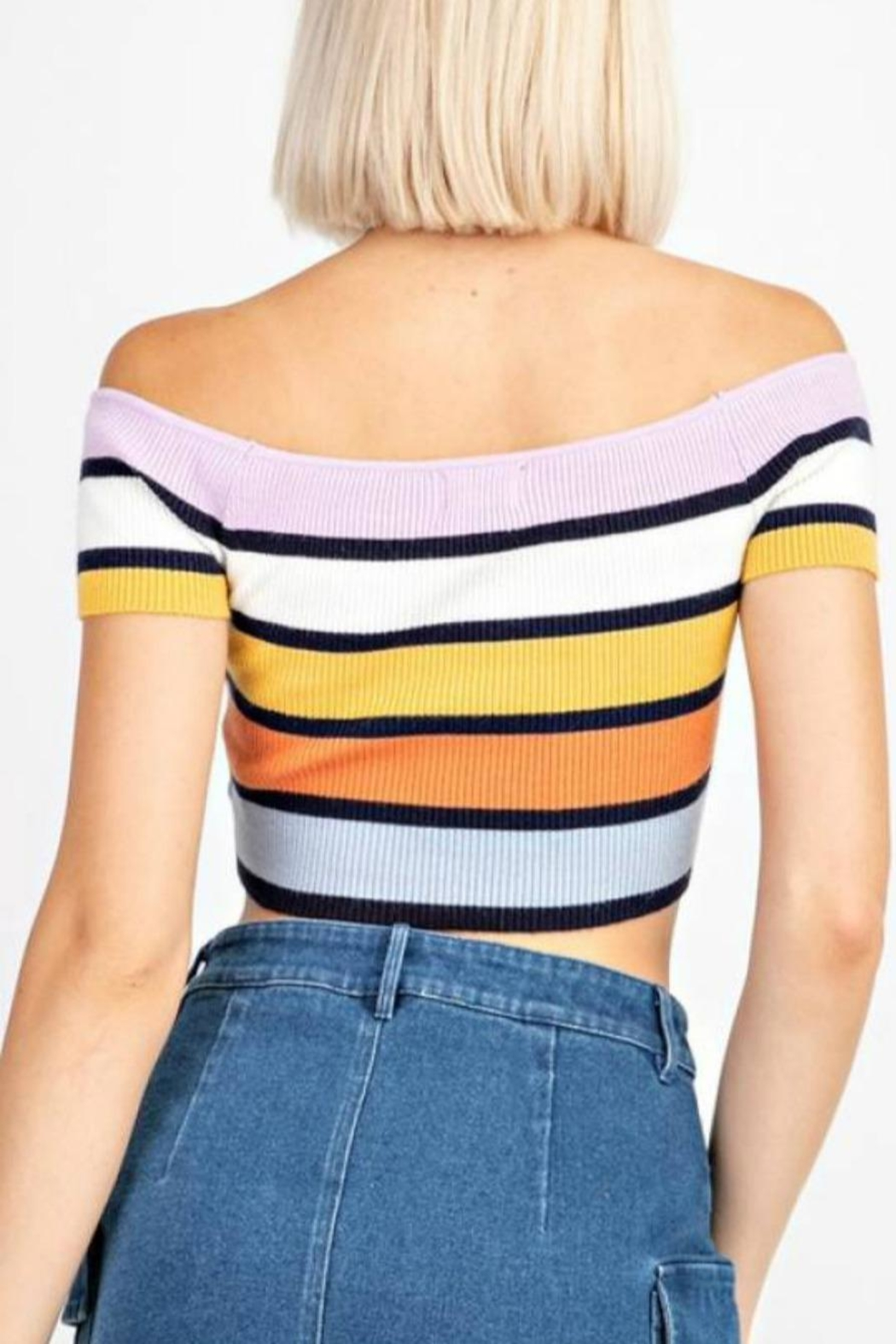 Le Lis Stripe Sweater Crop - Side Cropped Image