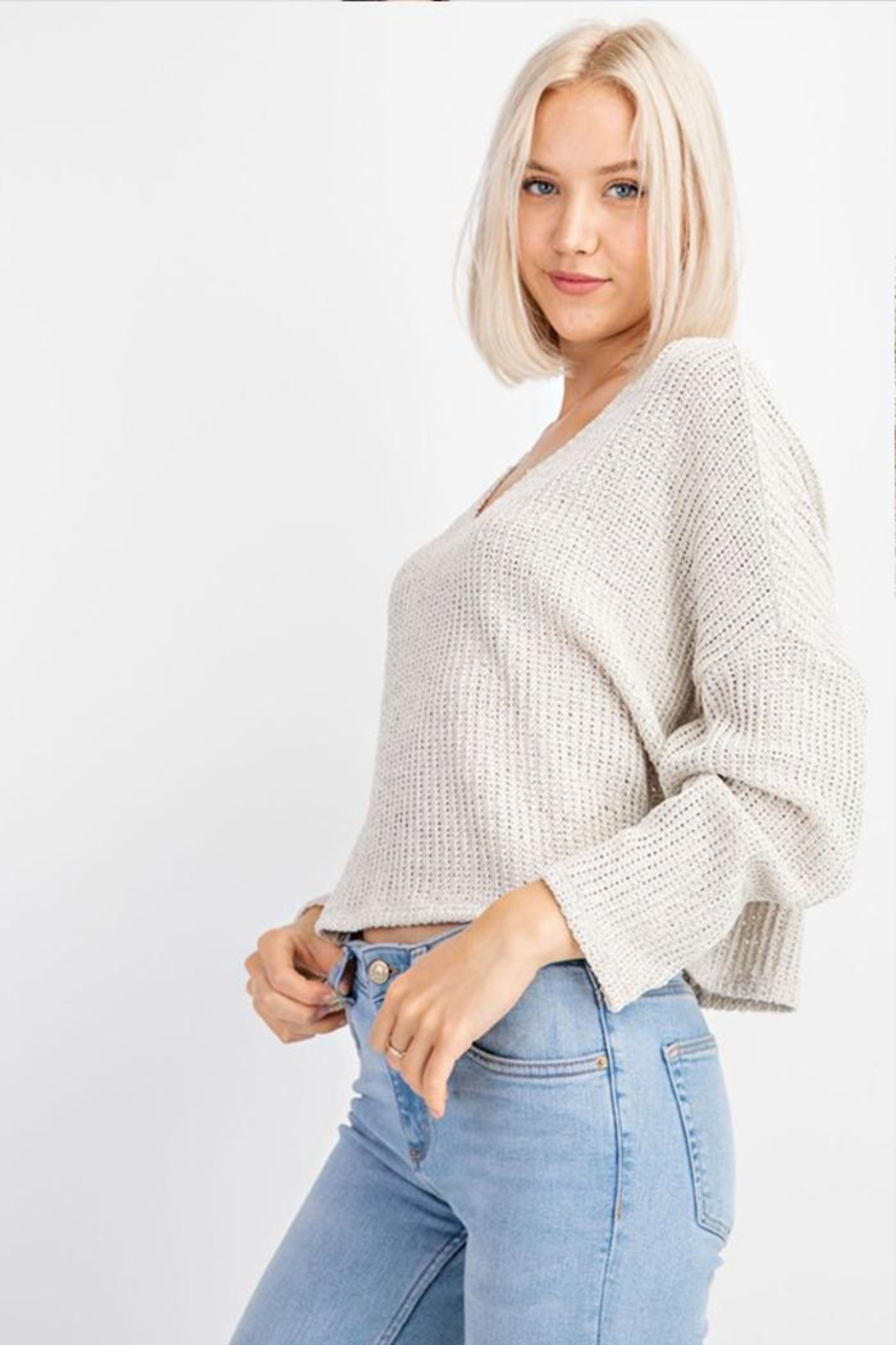 Le Lis V-Neck Sweater Top - Side Cropped Image