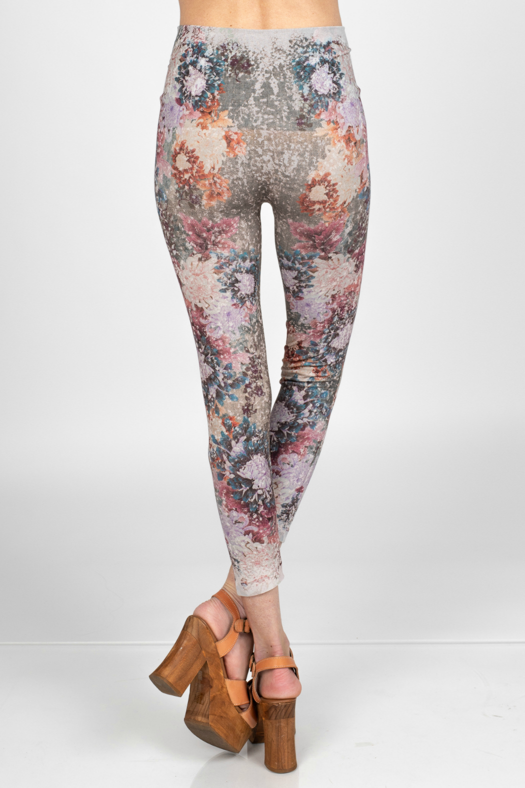 M. Rena Leggings with dancing peonies sublimation print - Side Cropped Image