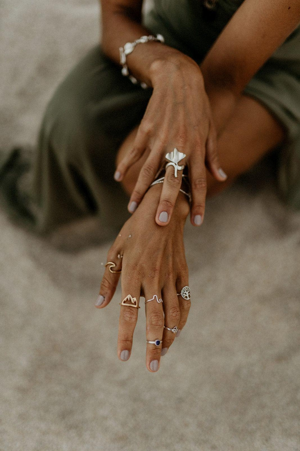 Lenore Jewelry Tree Of Life Midi Ring - Back Cropped Image