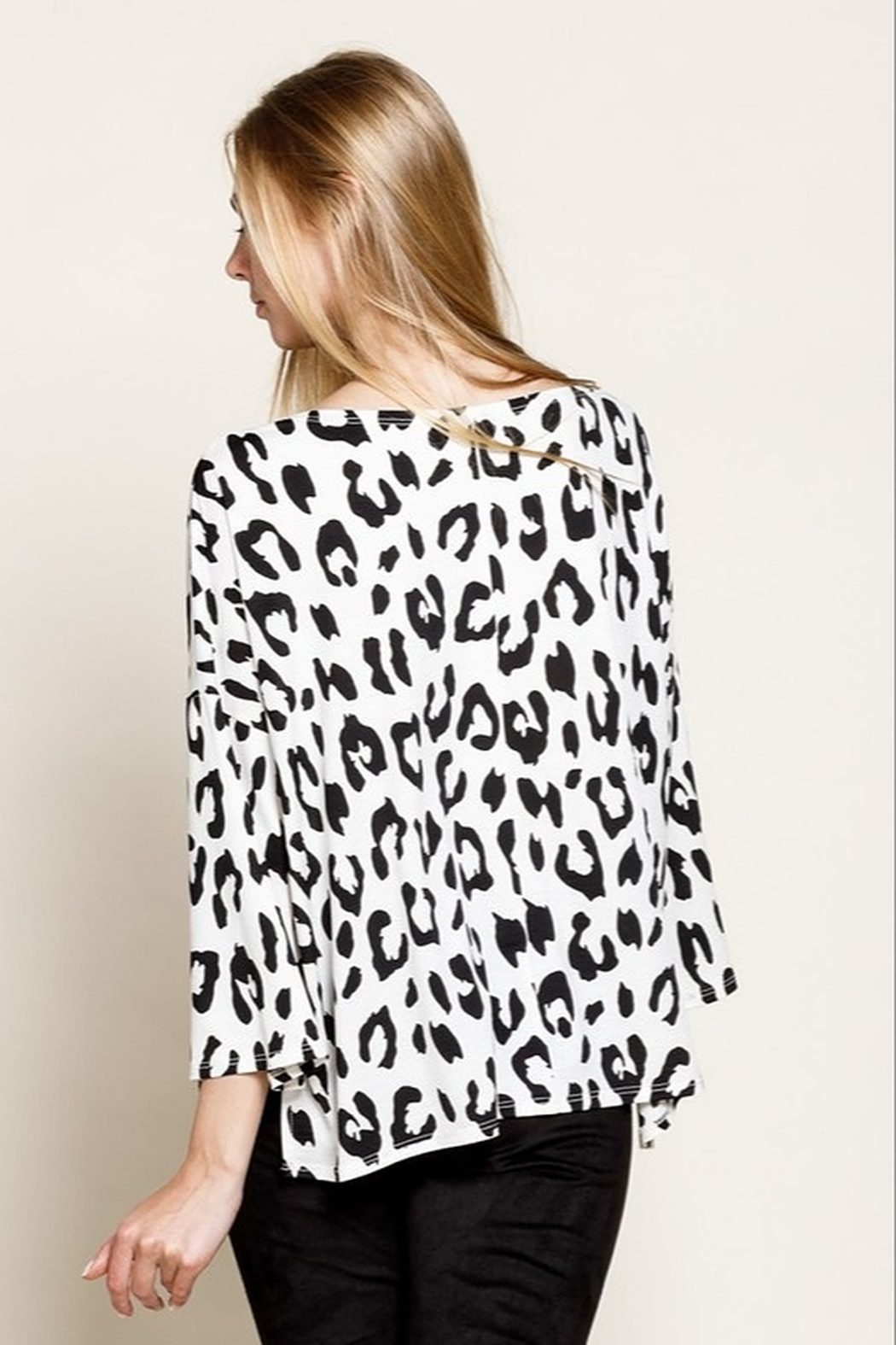 Mittoshop LEOPARD BOAT NECK 3/4 SLEEVES KNIT TOP - Side Cropped Image
