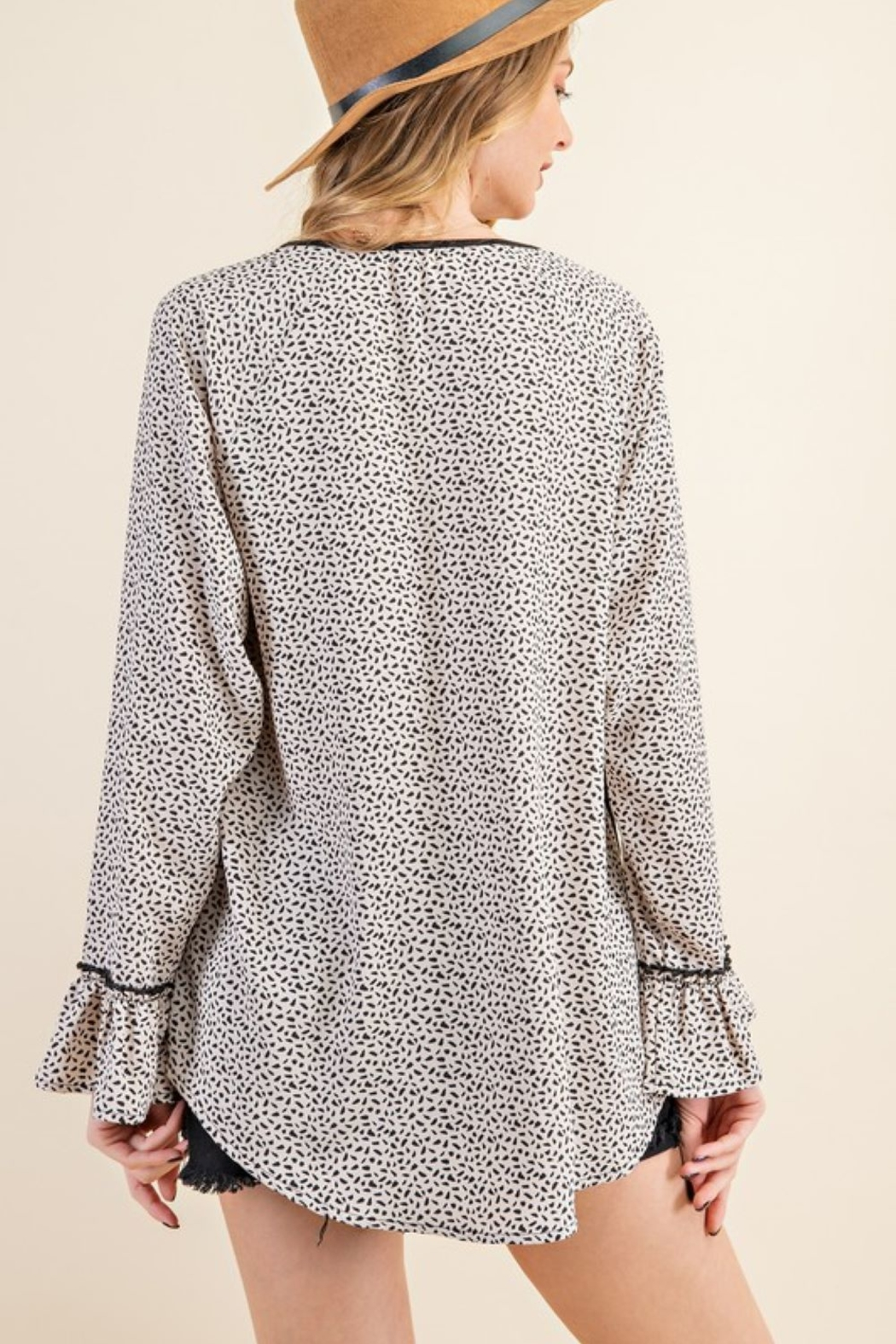 143 Story Leopard Contrast Top with Ruffle Sleeve - Side Cropped Image