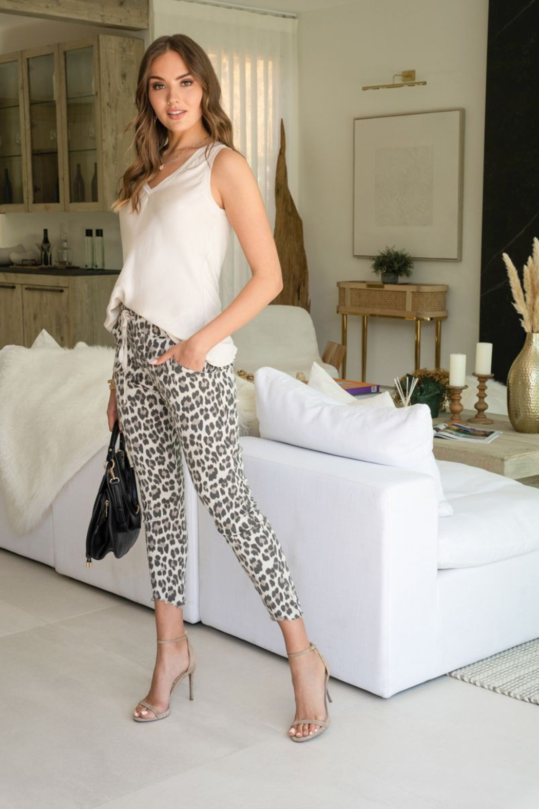 Venti 6 Leopard Crinkle Pant - Side Cropped Image