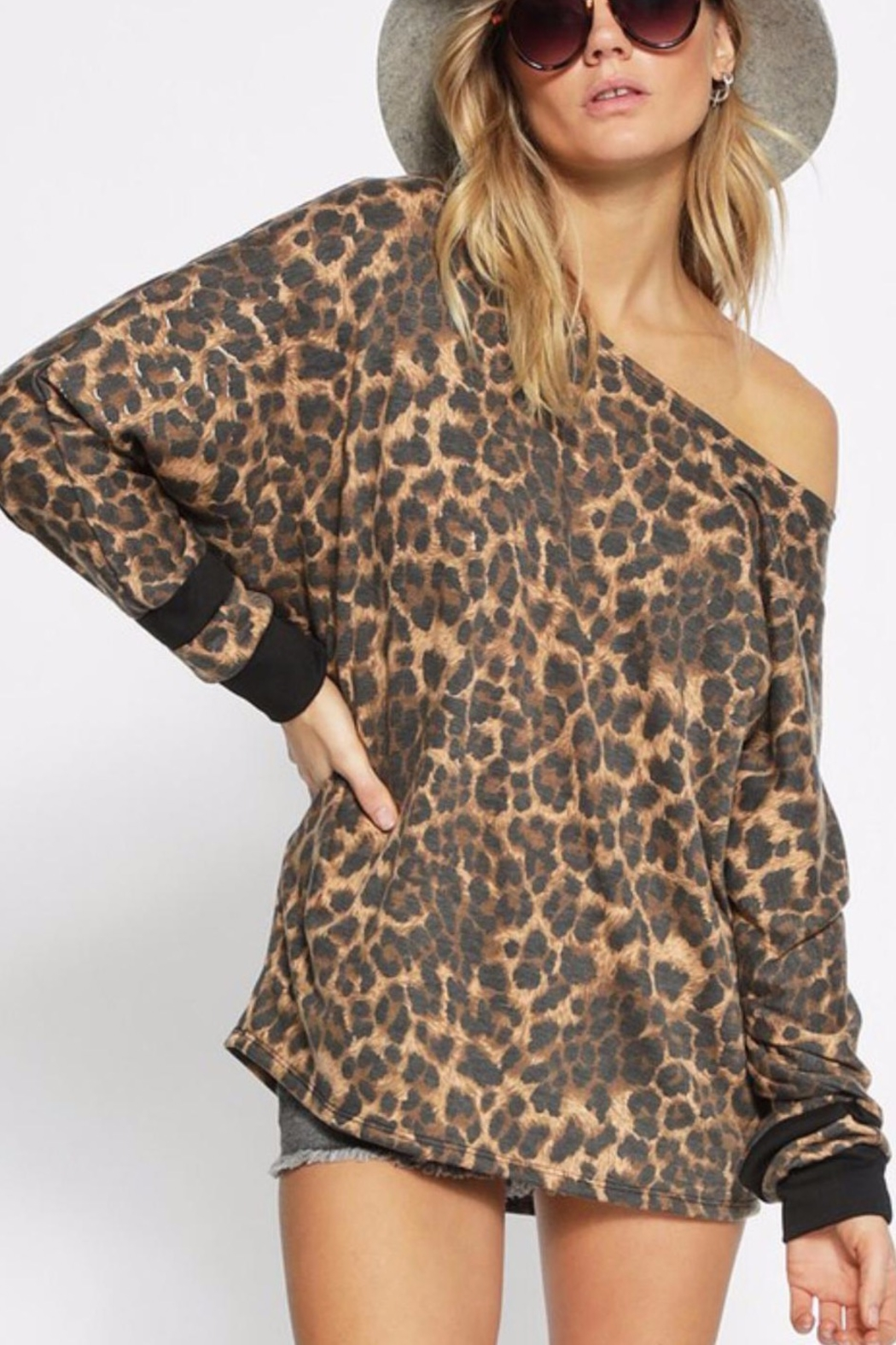 Bibi LEOPARD FRENCH TERRY WIDE NECK TOP - Side Cropped Image
