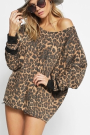 Bibi LEOPARD FRENCH TERRY WIDE NECK TOP - Front cropped
