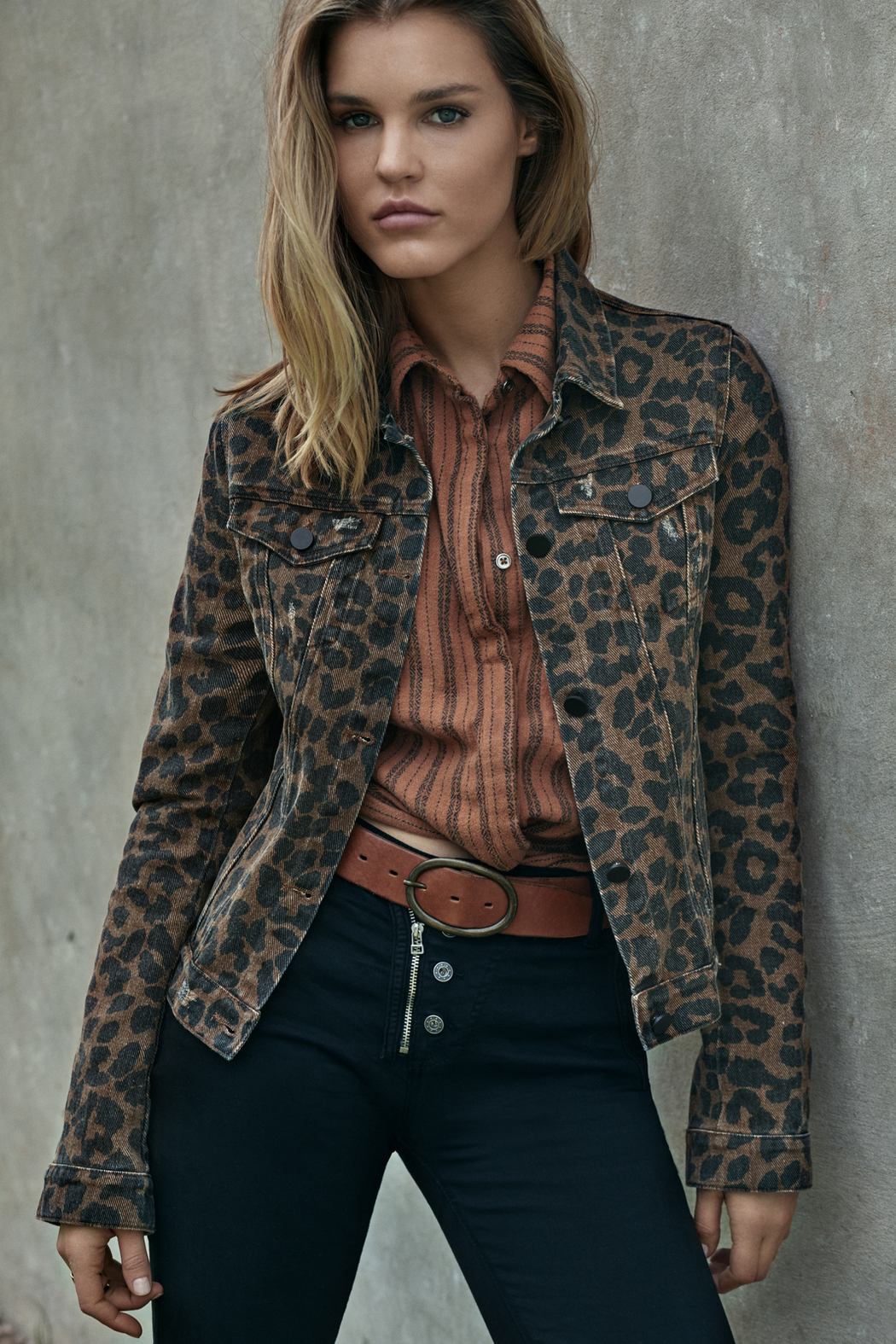 Elan Leopard Jean Jacket - Side Cropped Image