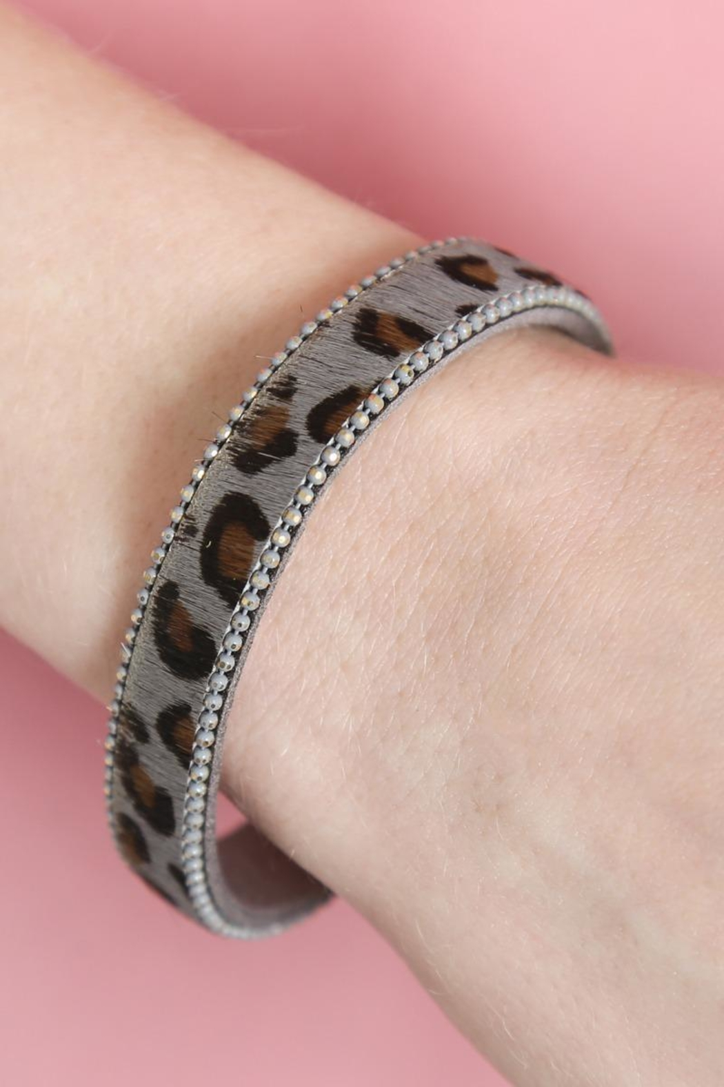 Riah Fashion Leopard-Magnetic Lock-Bracelet - Side Cropped Image