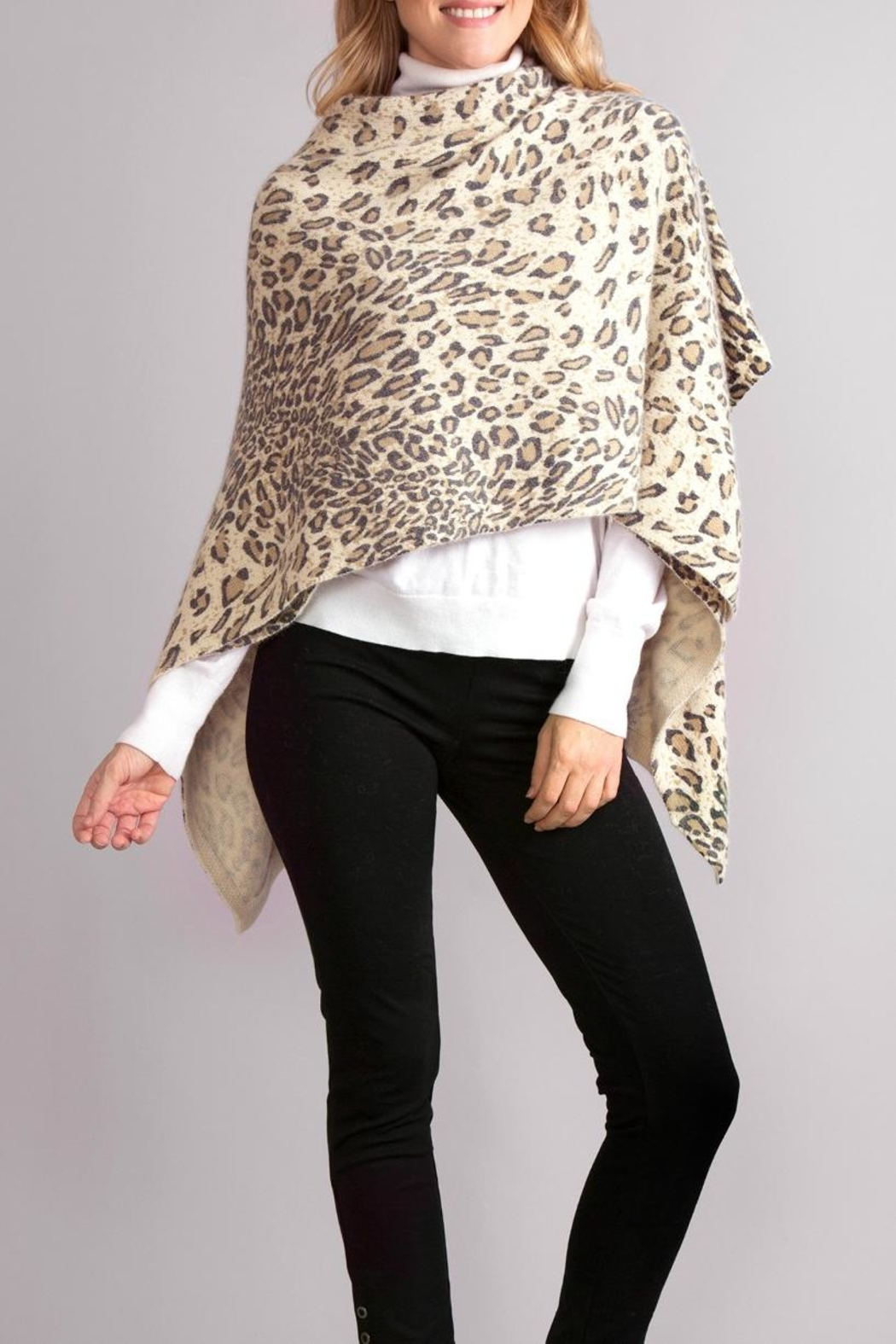 Simply Noelle Leopard Poncho Wrap - Side Cropped Image