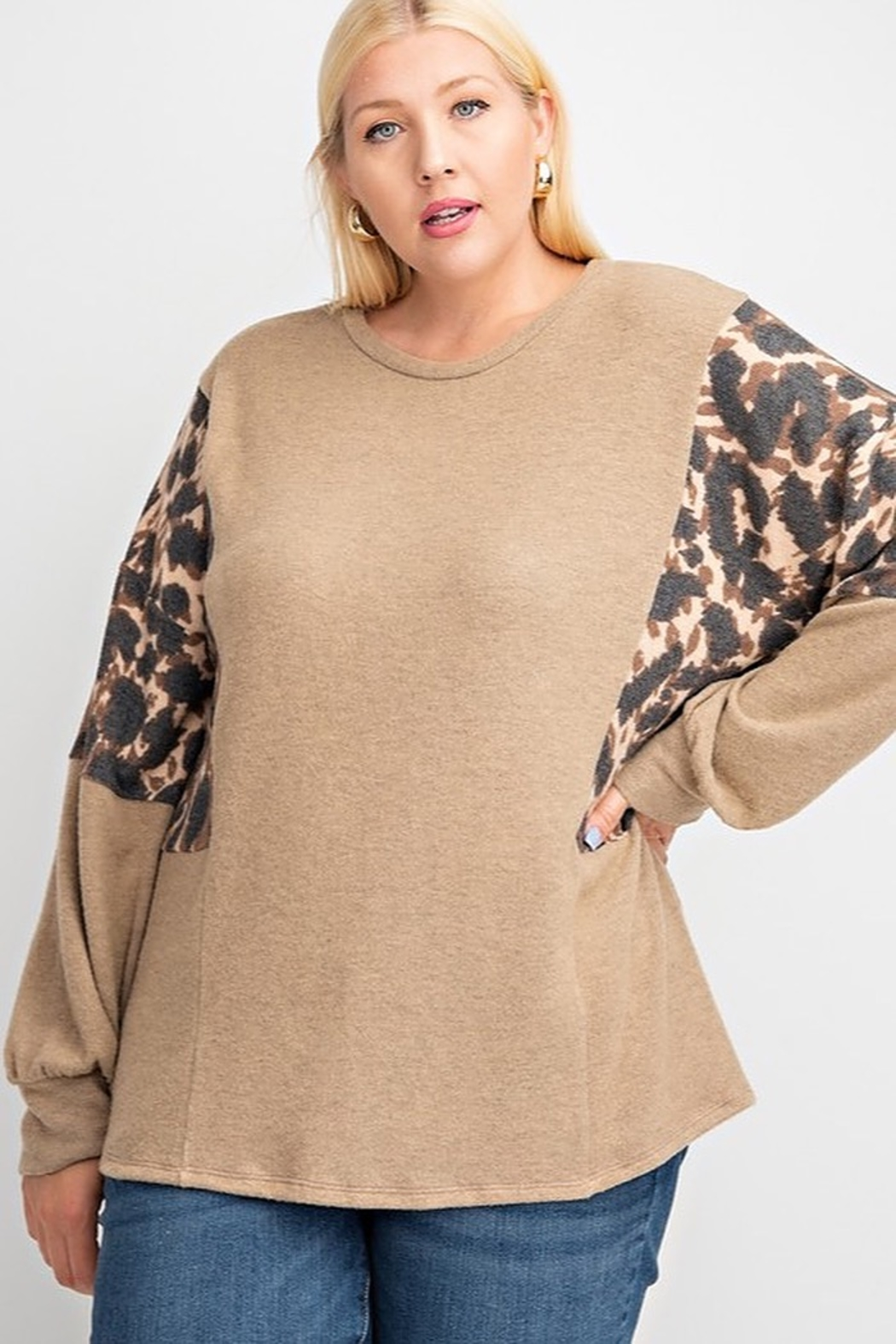 143 Story LEOPARD PRINT BRUSHED SOFT KNIT CONTRAST BUBBLE LONG SLEEVE TOP - Main Image