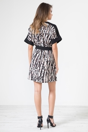 Urban Touch Leopard Print Dresswithbelt - Side cropped