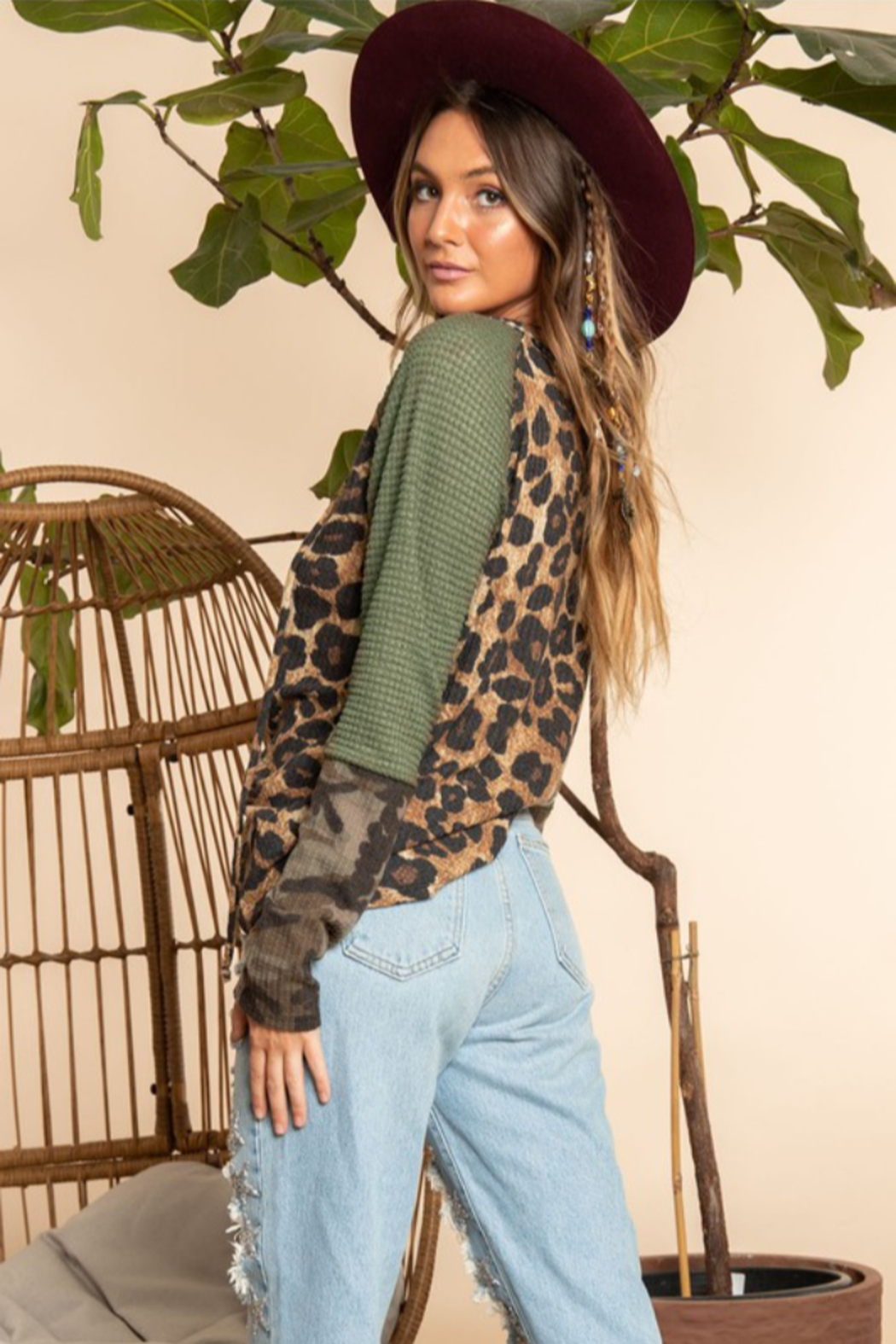 Blue Buttercup Leopard Printed Long Sleeve Top - Side Cropped Image