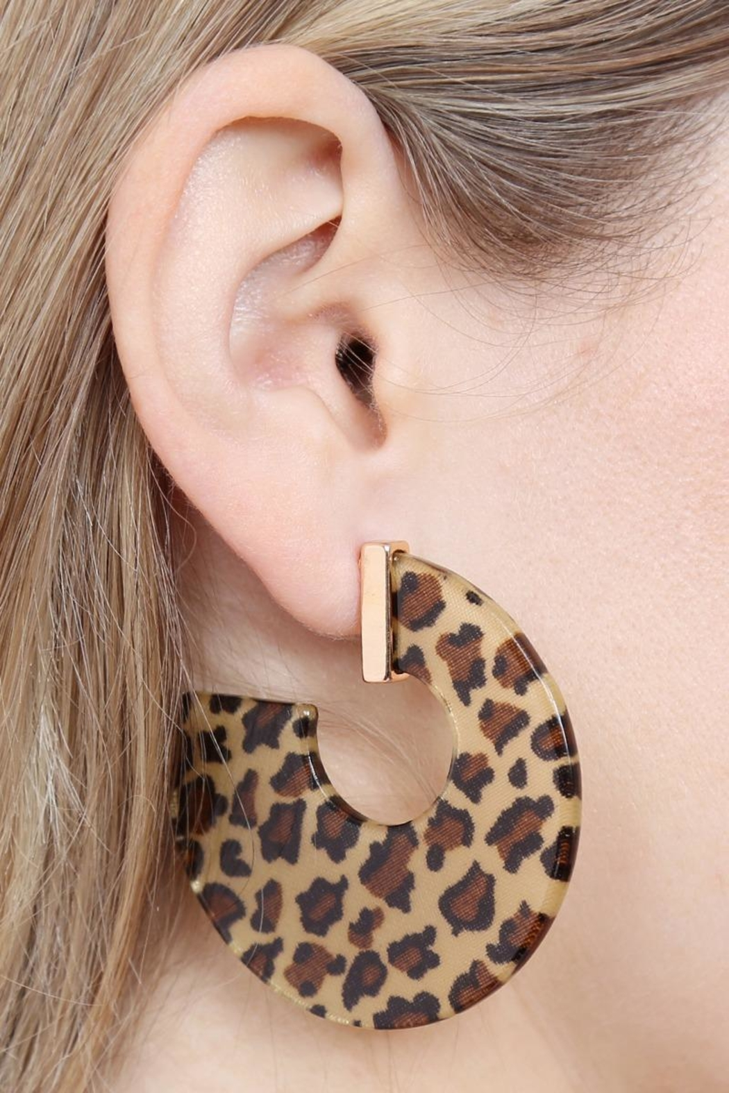 Riah Fashion Leopard-Resin-Print Post Earrings - Side Cropped Image