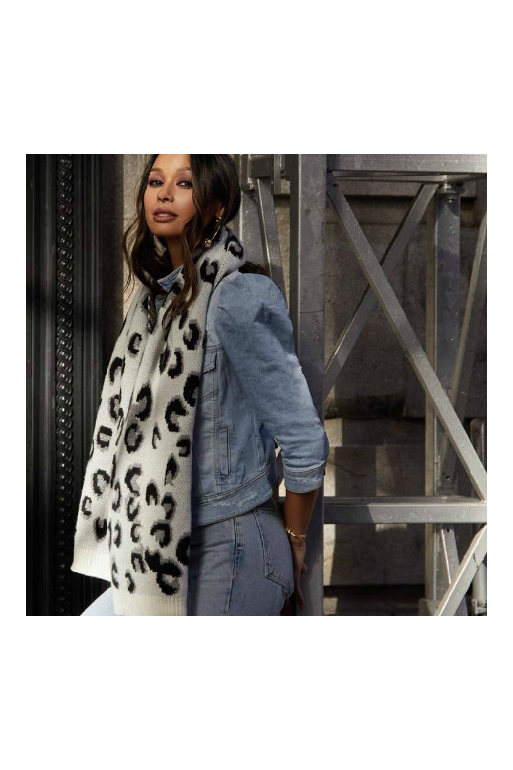 Virginia Wolf Leopard Scarf White - Front Full Image